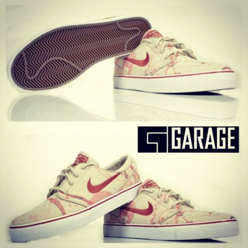#janoski wine splatters #nikesb @nikesb limited in store only at @garageskateshop #huntingtonbeach tomorrow 6/8 (Taken with Instagram)