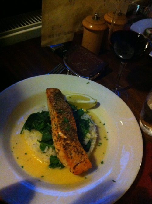Amazing pub dinner!  London has some pretty delicious food!