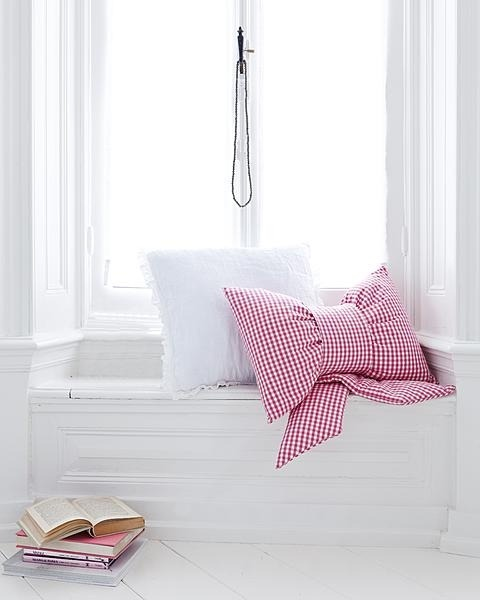 Gingham Bow Pillow. Does it really get any preppier than this? I need to have one of these. The ultimate accessory!