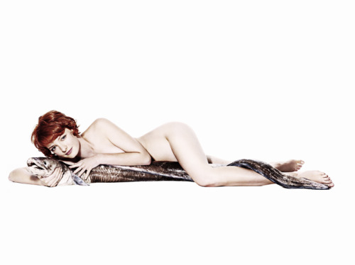 lazarusgirl:  Dakota and the eel. Photography by Rankin.  Sorry Dakota, bb. But ew. again.