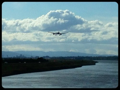 Pretty cool huh?#iphone4 #fun #iPhoneography #streamzoo #washington #airplane #followme #awesome(from @veronicajean777 on Streamzoo)