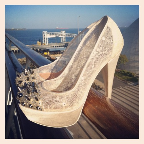 talk about some bada$$ bridal shoes!
