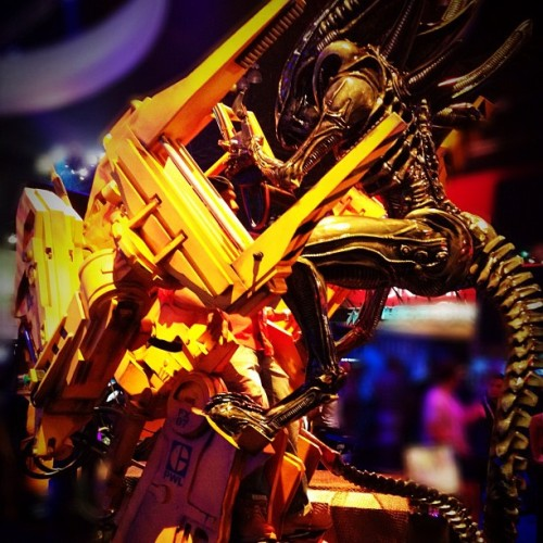 The ultimate girl fight from E3! Doesn't get any sexier than this. #Aliens #geek (Taken with Instagram)