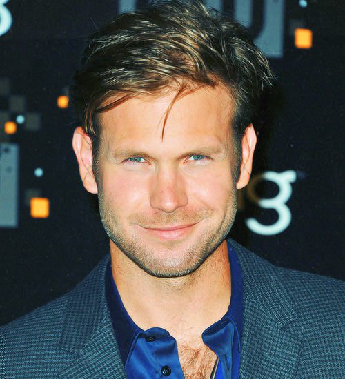 salvatored:  ABC list of actors/singers I love » Matt Davis [21/101]  u r so CG! at least in my mind when Im reding it