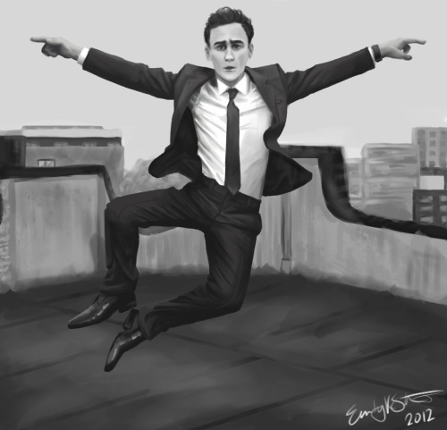 I drew Tom Hiddleston ~5 hours (so yeah this is like the best thing i've ever drawn and i'm like insanely proud of it but whatever yo)