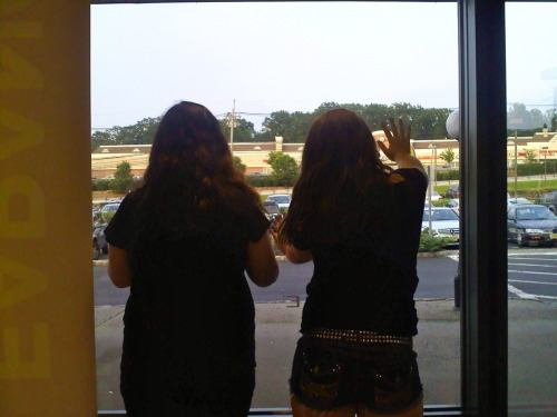 pewwww looken out the window like special people… WHOA YEH LIKE A BOSS