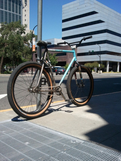 bisikleta:  Dailymobile 6/7. (by lockedcog)  not normally into hipster bikes but this one stands out as worth a reblog.