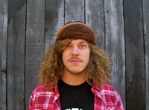 it's unreal how attracted I am to Blake Anderson