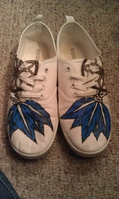 Another pair of shoes I designed/ painted! :)