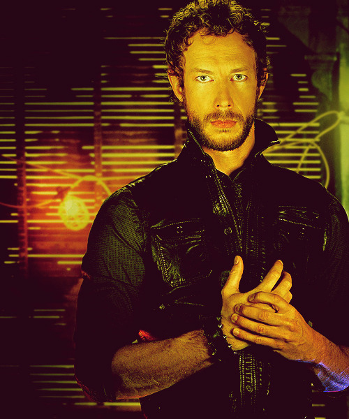 08/50 ♔ Images of Kris Holden-Ried