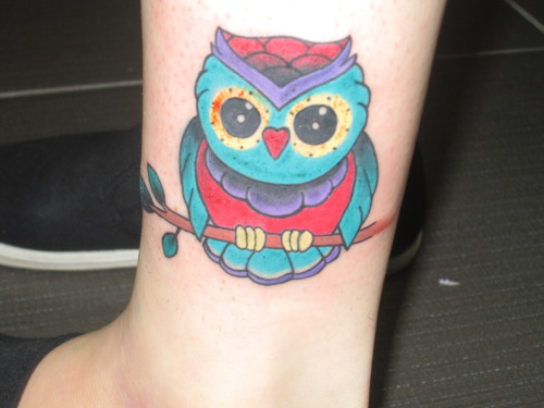 fuckyeahtattoos:  This is my adorable little owl! :D Tattooed by my good friend and awesome tattoo apprentice Andii Pandii @ Sunset Tattoo Parlour in Miami, FL
