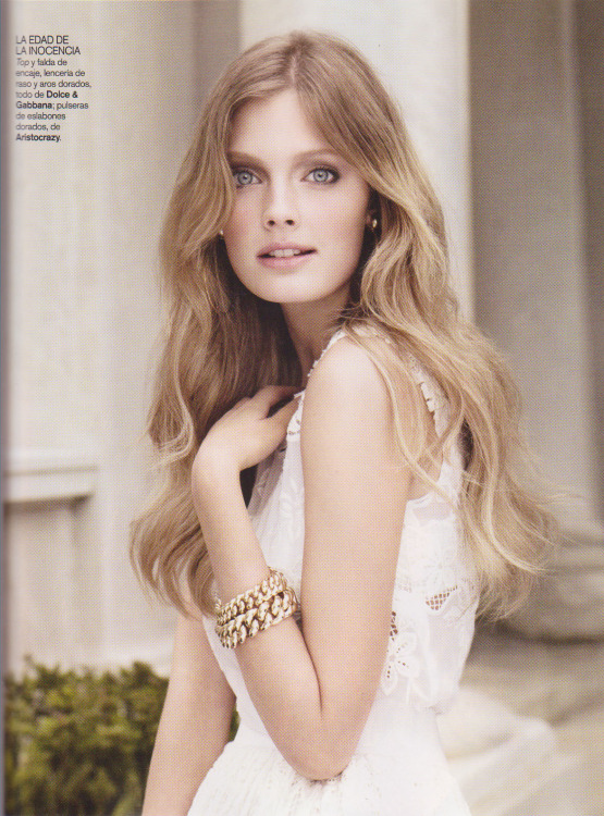 Magazine: Vogue Spain February 2011Title: Ángel blancoModel: Constance JablonskiPhotographer: Alex Cayley