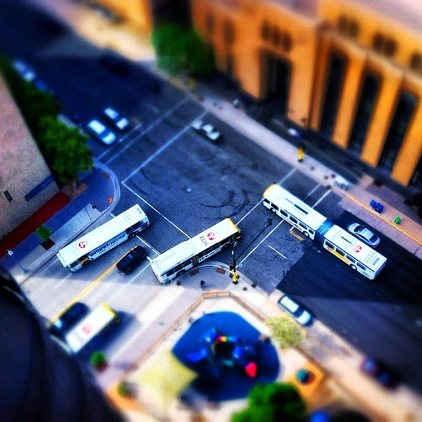 view from above #minneapolis #twincities #tiltshift #nofilter #iphonography #picoftheday (Taken with Instagram at Couch's Coochie Castle)