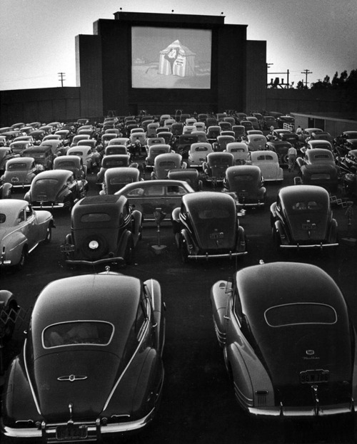 silfarione:  Drive-In Theater at San Fransisco by Allan Grant. 1948