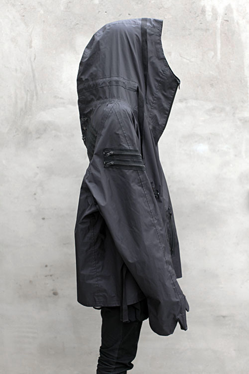 thegarmentrack:  brycity:  NUMBER (N)INE GLOVED WINDBREAKER CAPE / RAIN JACKET  nice as it seems, but can only wear it in a thunderstorm.  i would wear this even it's a light drizzle