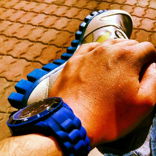 Blue #blue #watch #reebok (Taken with Instagram)