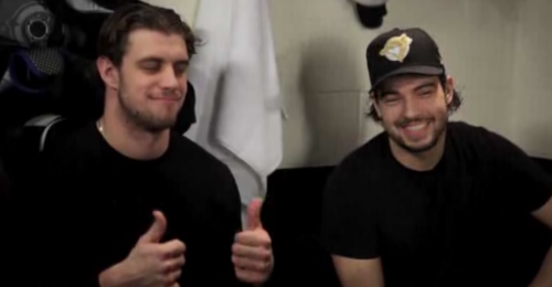 lakingsanzekopitar:  I can objectively say that this is one of the best images in existence.  Especially because of the gold Blue jays hat.