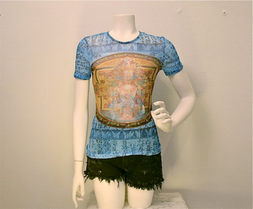 panro:  (via 90s Grunge Sheer Mesh Buddha Asian Print by FeelingVagueVintage)