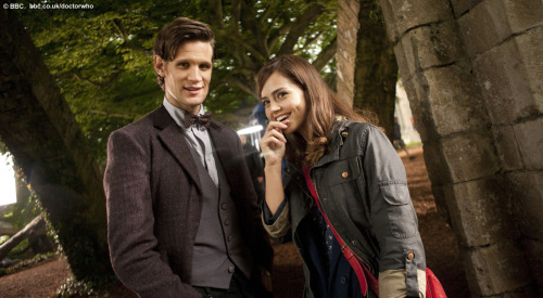matteleven:  New photo by the bbc, first official image of Matt and Jenna together? Love the new jacket!  I LOVE THIS LOOK. I NEED IT. NOW.