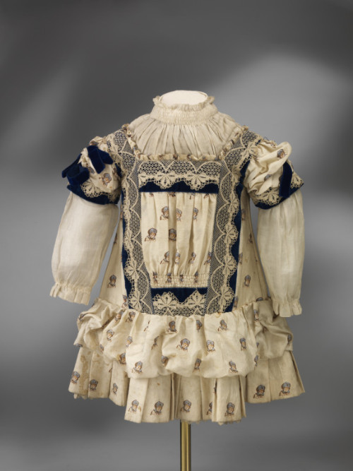 Dress 1885 The Victoria & Albert Museum