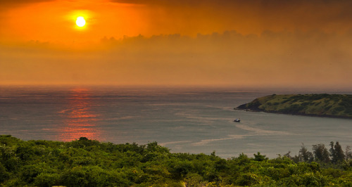 animals-animals-animals:  Sunset on the Konkan Coast (by Akshay Charegaonkar)