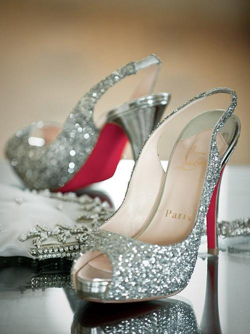 (via Sparkle/Diamond Wedding)