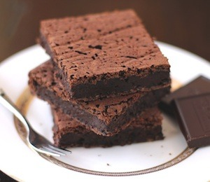 findvegan:  Fudgy 100-calorie Black Bean Brownies!