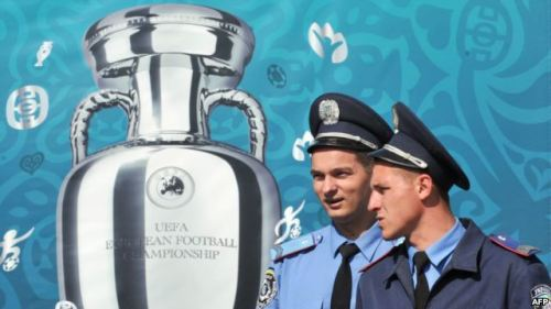 How Euro 2012 Adds Up 10,000 Swedes, 50 toilets, and 300 topless protesters. The Euro 2012 soccer championship in numbers.