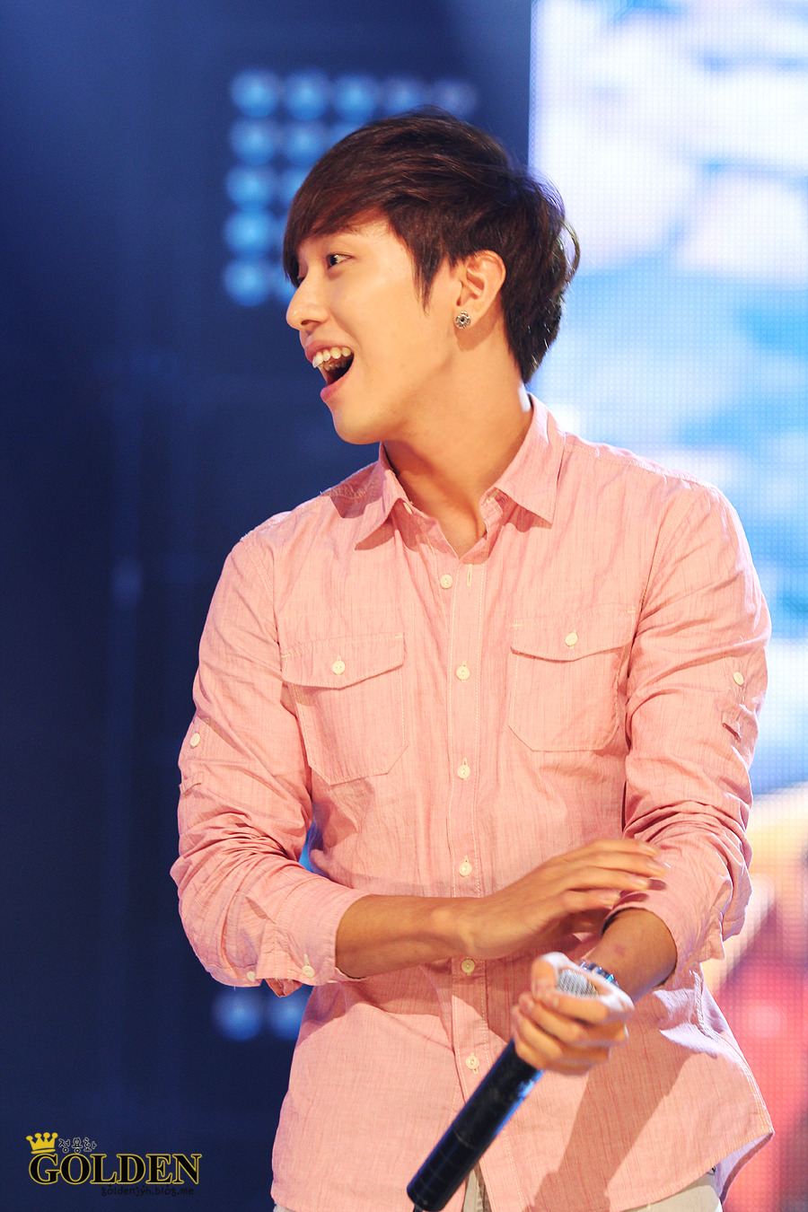 120607 YongHwa @ Mnet Mcoutdown Visit http://goldenjyh.blog.me to download more pics