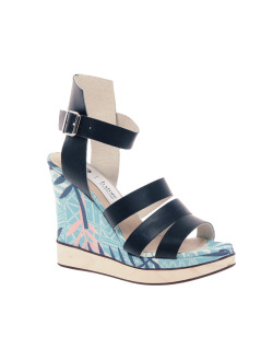 B Store Salavatore 12 Exclusive Wedge SandalsMore photos & another fashion brands: bit.ly/JgQMKn