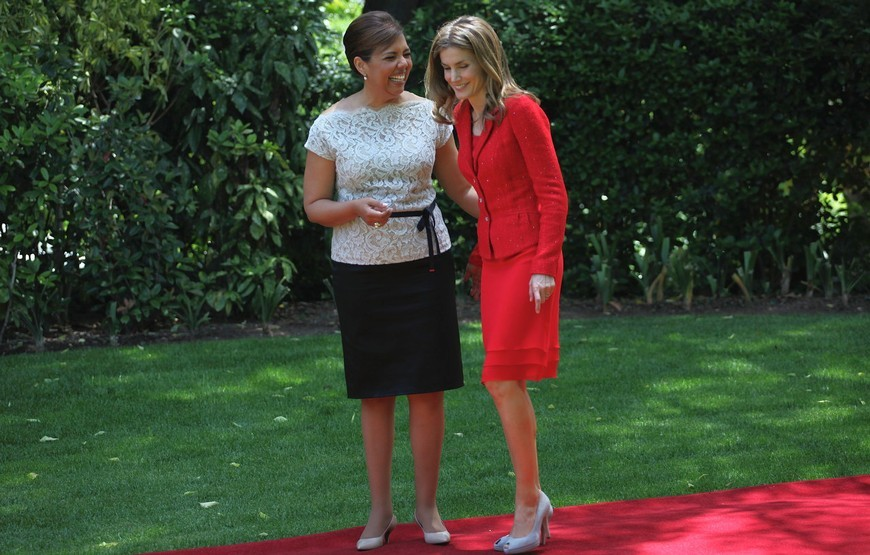 Princess Letizia and Laura Ferreira, wife of Portugal's Prime Minister in Lisbon. June 1, 2012.