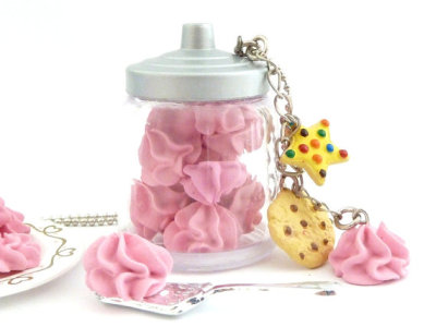 "The Bakers Necklace ""give me a kiss"" Miniature cookies jar with meringue kisses and cookies charms"