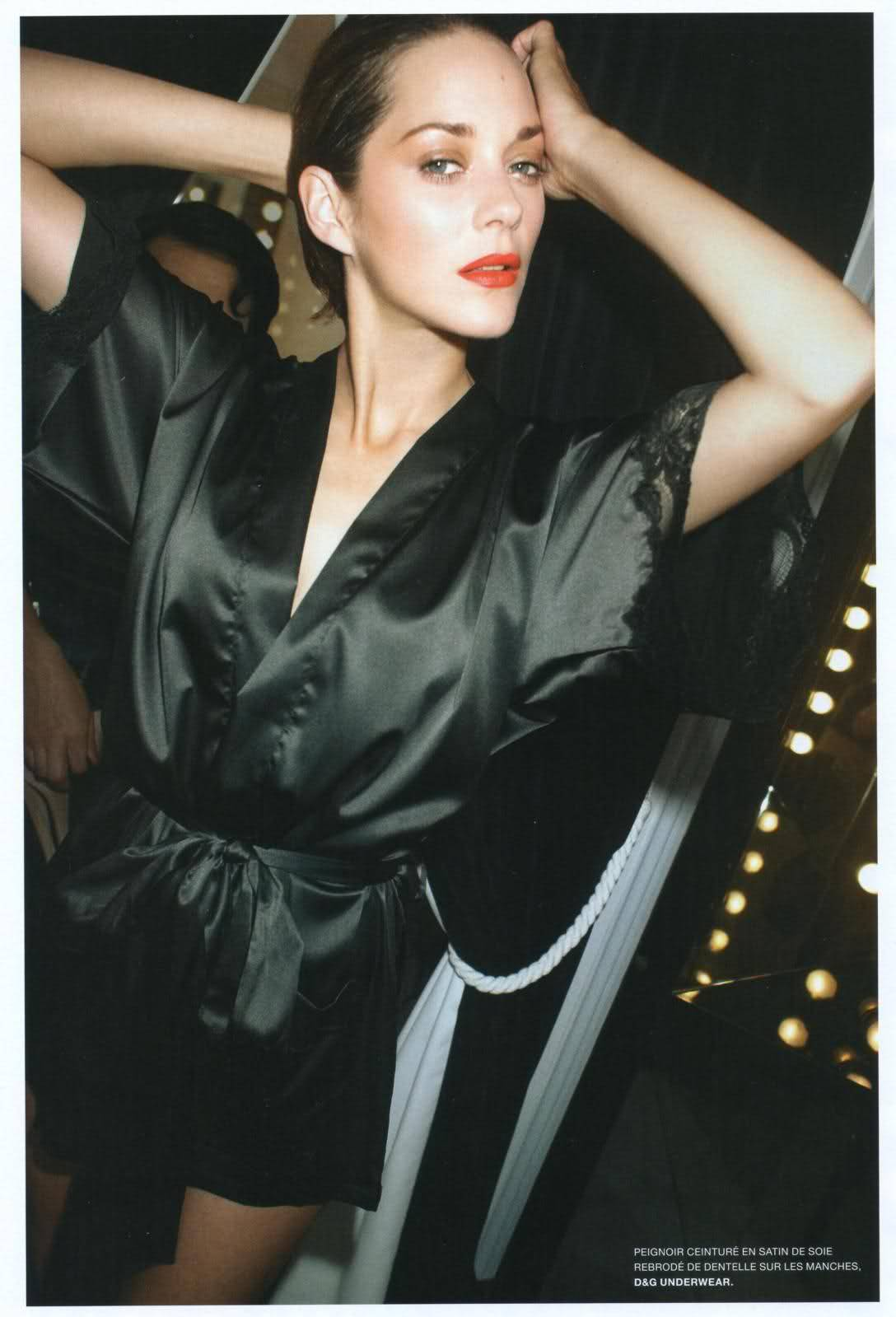 courtmetragee:  Marion Cotillard L'Officiel Paris.  She's gorgeous with minimal make-up