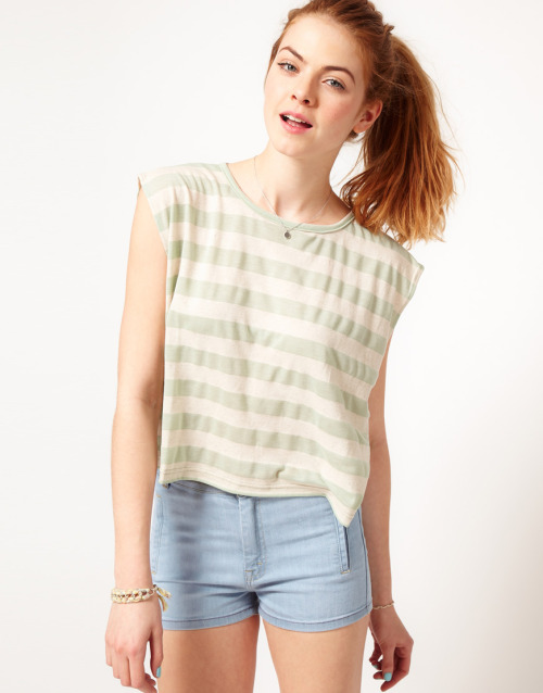 Dansk Wide Stripe Crop Square Oversized T-ShirtMore photos & another fashion brands: bit.ly/J3Xb5q