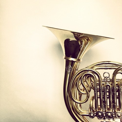 HORN OF PLENTY #london #se10 #greenwich #frenchhorn #brass  (Taken with Instagram at Trinity College Of Music)