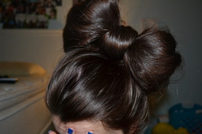 How to do make a bow with your hair. More hair styles here.