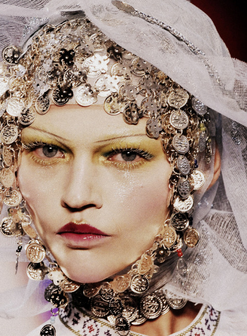 Sasha Pivovarova for John Galliano Fall/Winter 2009