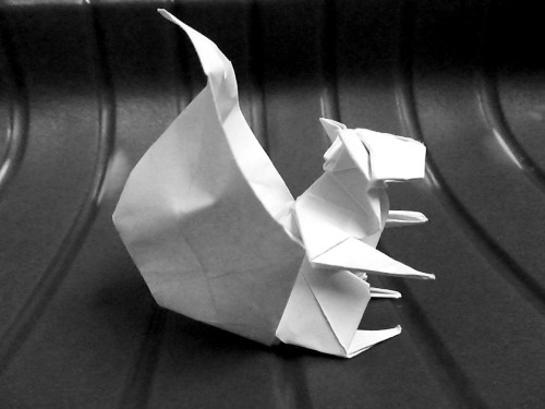 art-spire:  Origami Squirrel Folded from an uncut square sheet of paper Design from No 8 4Esquinas