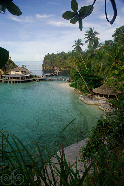 visitheworld:  Misool Eco Resort in Raja Ampat Islands, Indonesia (by NOSYTOUR).