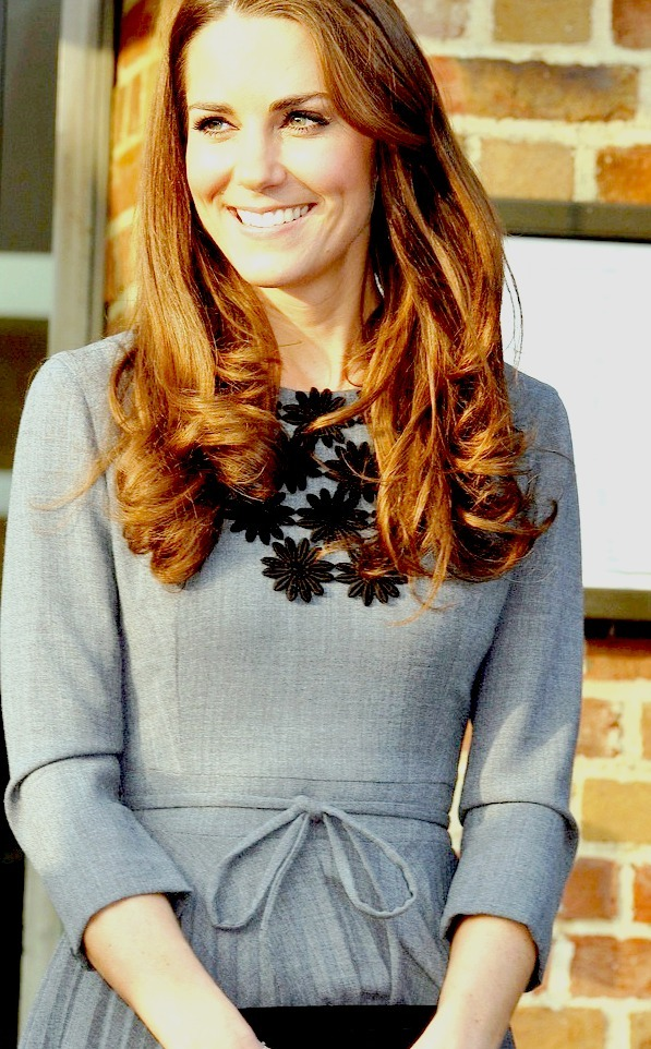 km-dofc:  Kate Middleton in Orla Kiely at Dulwich Picture Gallery on March 15, 2012.
