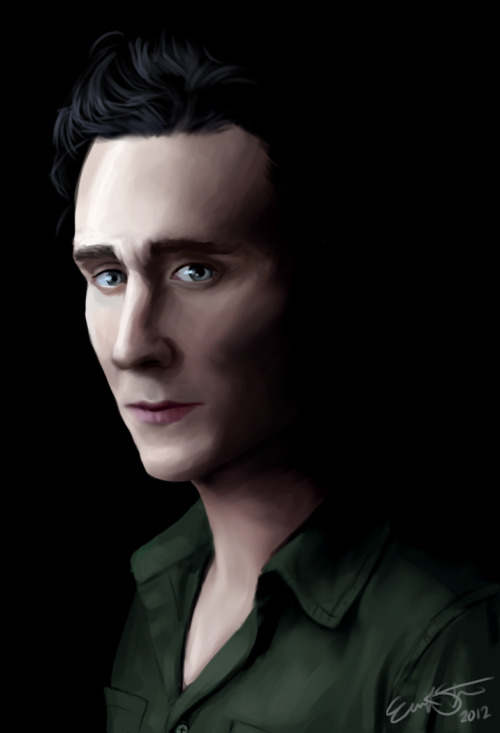 i can't stop drawing tom hiddleston he is just too pretty