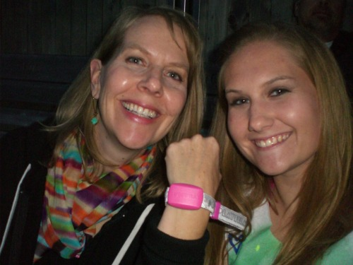 My auntie and I at the Coldplay concert :)