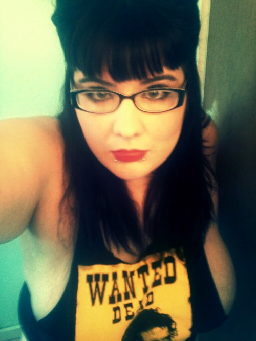 onlycutechubbygirls:  kassassinate:  Hi.  HI :3  Love the Cactus Jack shirt.