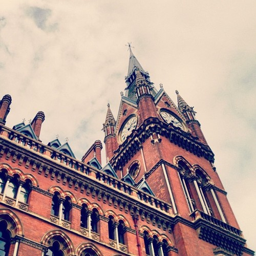 instahipsta:  Time Gothic • Revisit #stpancras #RenaissanceHotel #marriot #london #england #greatbritain #unitedkingdom #gothic #architecture #brick #clocktower #tower #June #2012 #Nashville #lux (Taken with Instagram at St Pancras Renaissance Hotel)