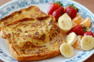 lowcaloriemolly:  readytobesuperfit:  I made french toast the other day with 60 calorie whole wheat bread, egg whites, vanilla protein powder, and unsweetened vanilla almond milk. Drizzled a little honey over it…out of this world!  I'M MAKING THIS SOON