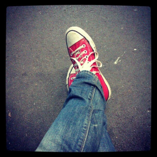 Off out with Mr Nindi who's DJing tonight! #fromwhereistand #Red #Converse #Skinny #jeans (that happen to be split but Shush.) Listening to Durran Durran - #Rio (Taken with Instagram)