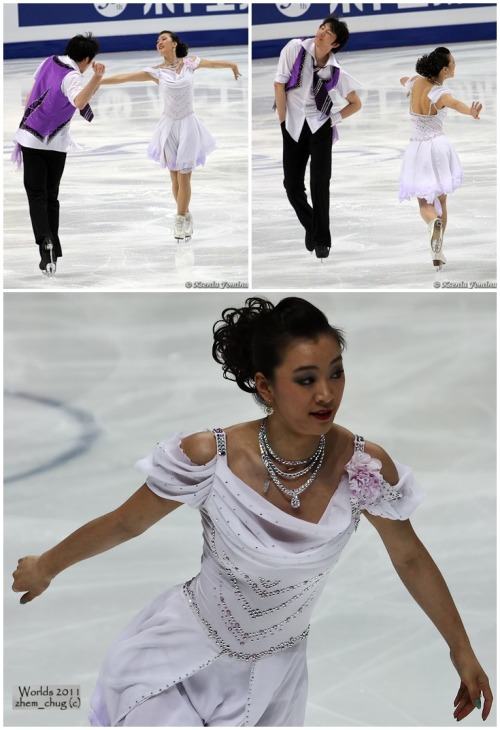 Xintong Huang and Xun Zheng's Golden Waltz costumes at the 2011 World Championships. Their music was Waltz No. 2 by Shostakovich. Sources: http://fotki.yandex.ru/users/kkfksenia/album/161355/?&p=8 http://www.flickr.com/photos/51462034@N08/6182440302/in/set-72157627624796347