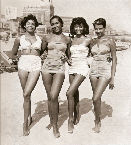 witchsistah:  Somebodies' grand/mommas was FLY back in the day!
