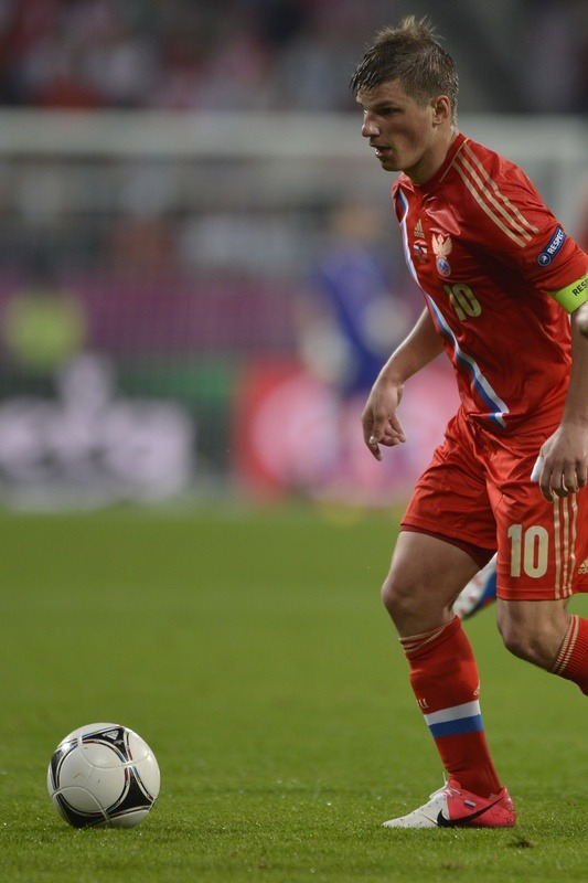beneaththepool:  Arshavin showed good command on the pitch. Getty  Россия 4-1 против Чехии!!