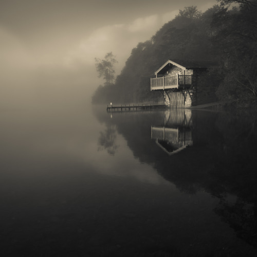 leslieseuffert:  The Boathouse by Mark Littlejohn